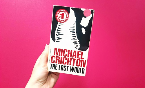 Michael Crichton writing style